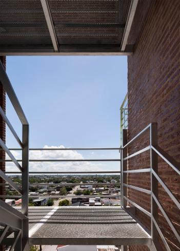 35_Vecindario Güemes - © Federico Cairoli (low)