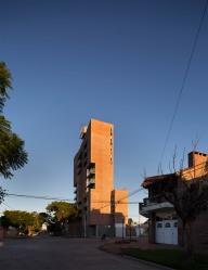 42_Vecindario Güemes - © Federico Cairoli (low)